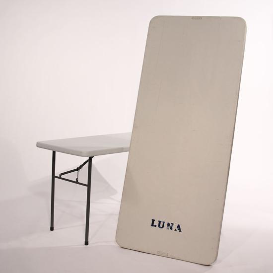 Picture of Table en plastique